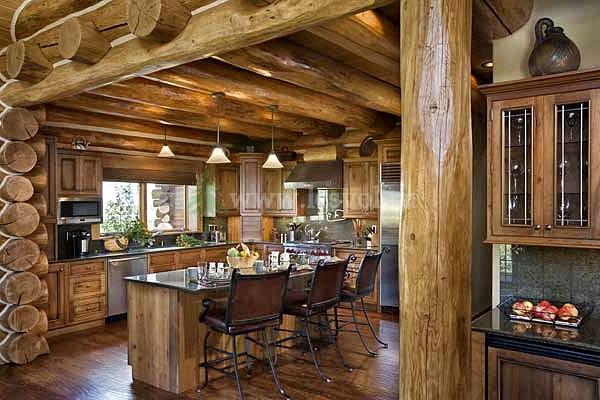 В дизайне деревянного дома кроме стен